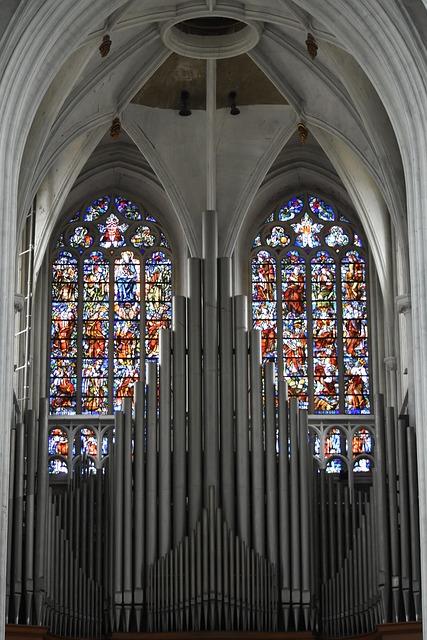 Órgano de una iglesia católica