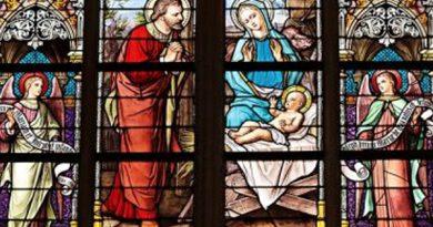 Vidriera que podría encontrarse en cualquier iglesia católica