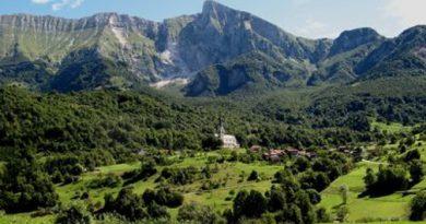 Drežnica, aldea en el municipio de Kobarid en la región litoral de Eslovenia