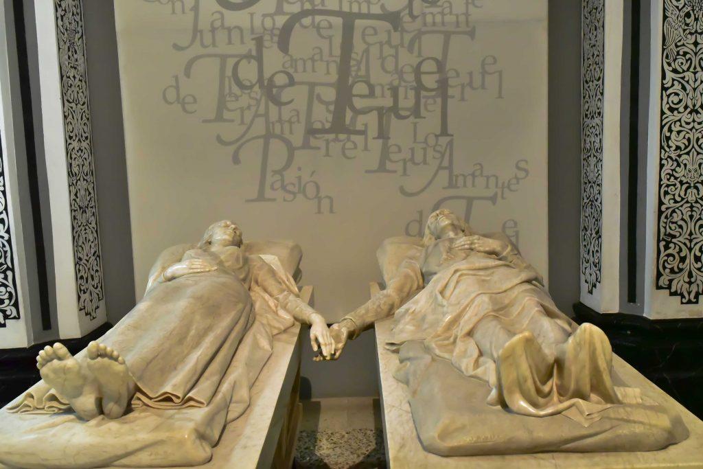 Mausoleo de los amantes de Teruel en España