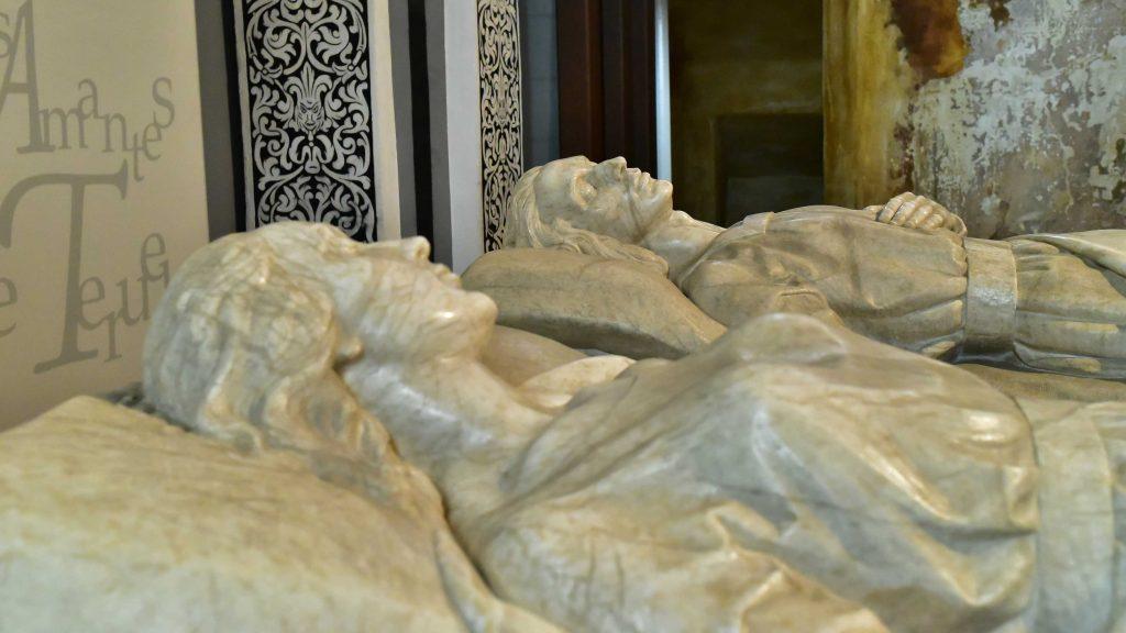 Detalle rostros de los amantes de Teruel en España