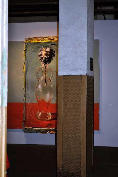Cuadro de la exposición Flores de Almodóvar y Galindo