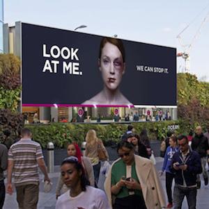 Look at me en la calle