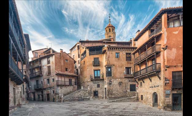 Pueblos de España que merecen ser visitados Albarrac%C3%ADn-Historia-paisaje-color