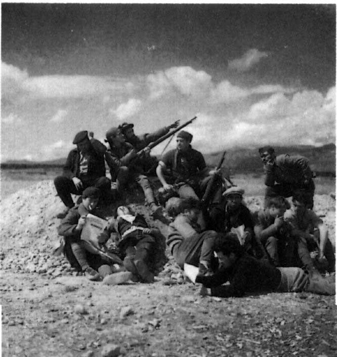 Milicianos en las postrimerías del bosque Carrascal. Marzo de 1937