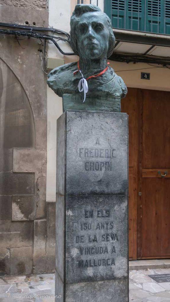 Estatua de Chopin en Mallorca