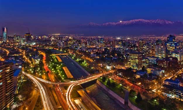 Santiago de Chile al anochecer