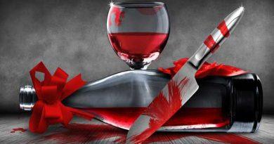 Vino y cuchillo ensangrentados